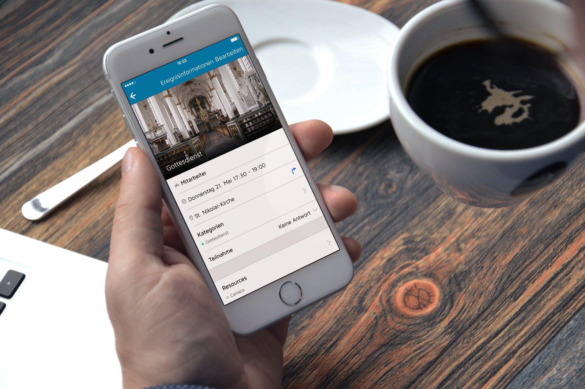 DE-iphone6-Mit der brandneuen ChurchDesk App haben wir bekannte Probleme beseitigt und einige großartige neue Funktionen hinzugefügt.